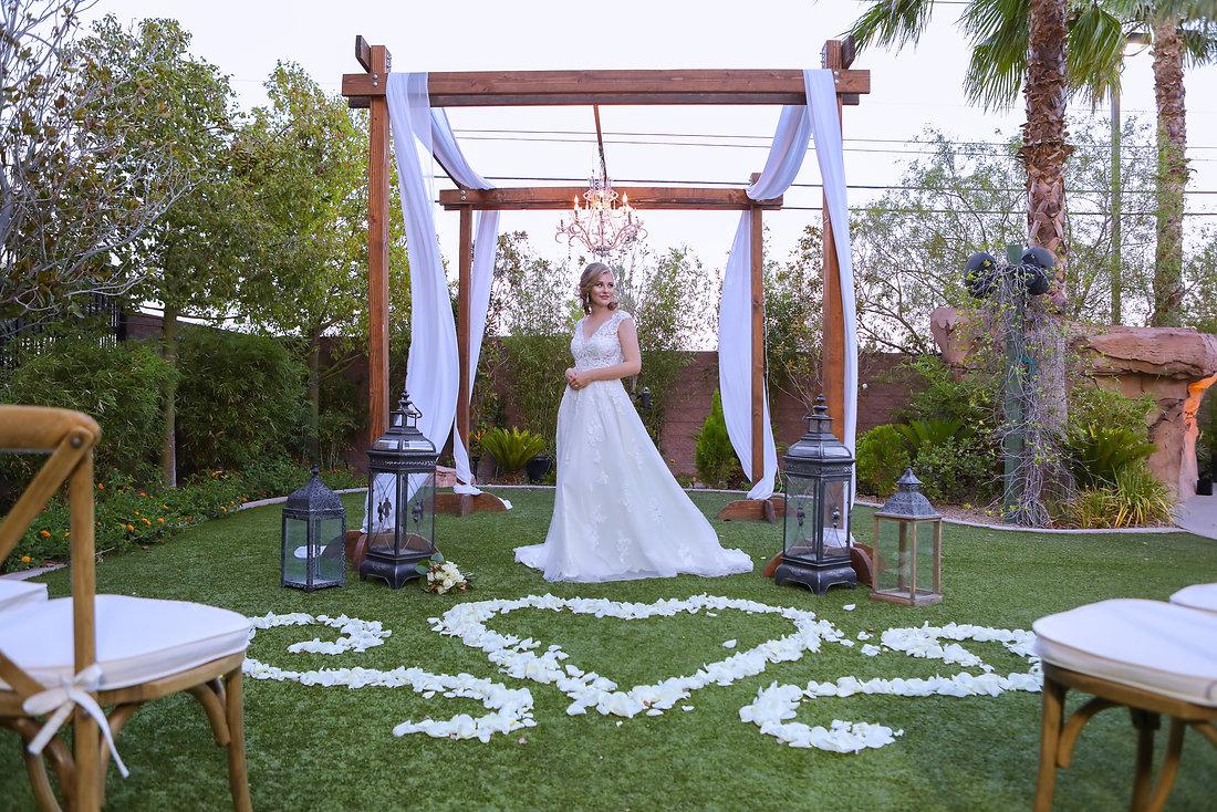 Layers of Luxe Weddings Magazine,Destination Weddings & Honeymoons, Hilton Garden Inn Las Vegas Strip South Hotel Wedding Venue, Garden Wedding Venue