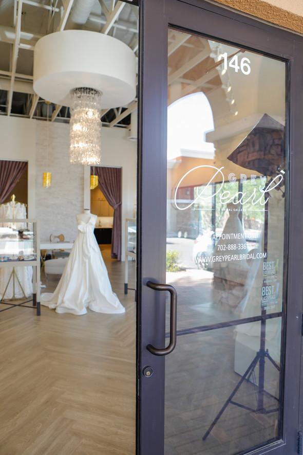 GreyPearlBridal_Layers of LUXE Weddings