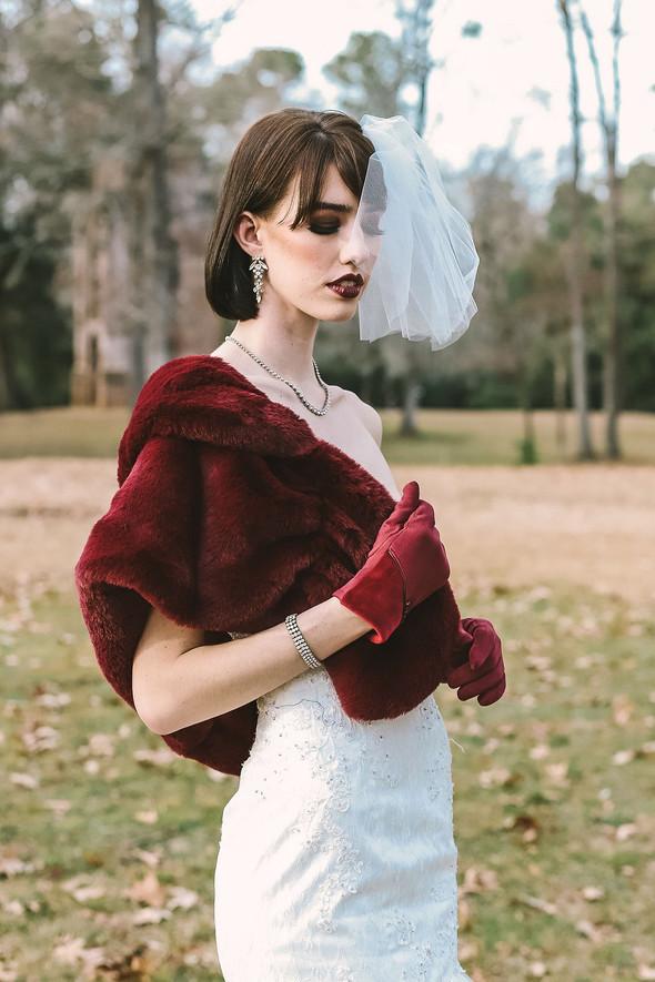 Elegant Burgundy Winter Bride_Salty Pine