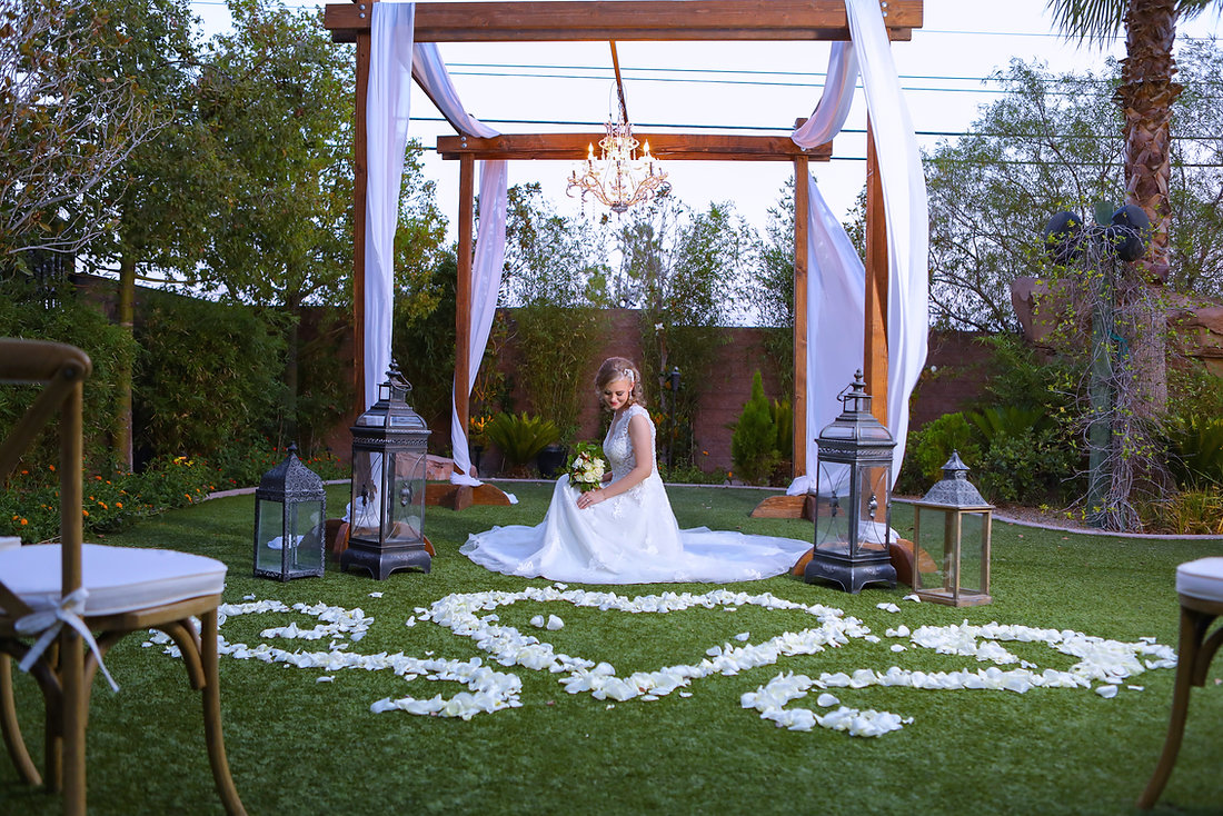 Layers of Luxe Weddings Magazine,Destination Weddings & Honeymoons, Las Vegas Weddings Destinations, Garden Wedding Venues