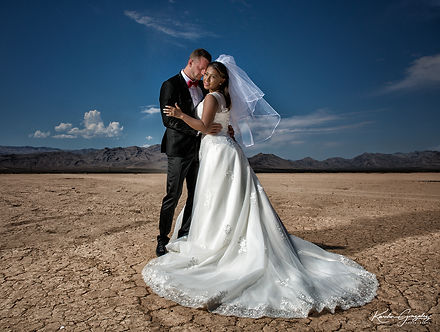 Layers of Luxe Weddings Magazine, Lakeside Weddings, Las Vegas Weddngs Venues