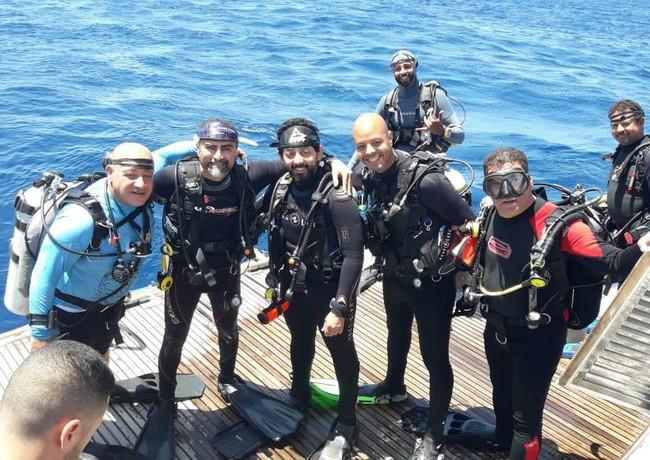 live aboard deck dive.jpeg