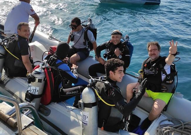 Live aboard boat trip zodiac.jpeg