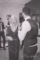 book wedding singer in london