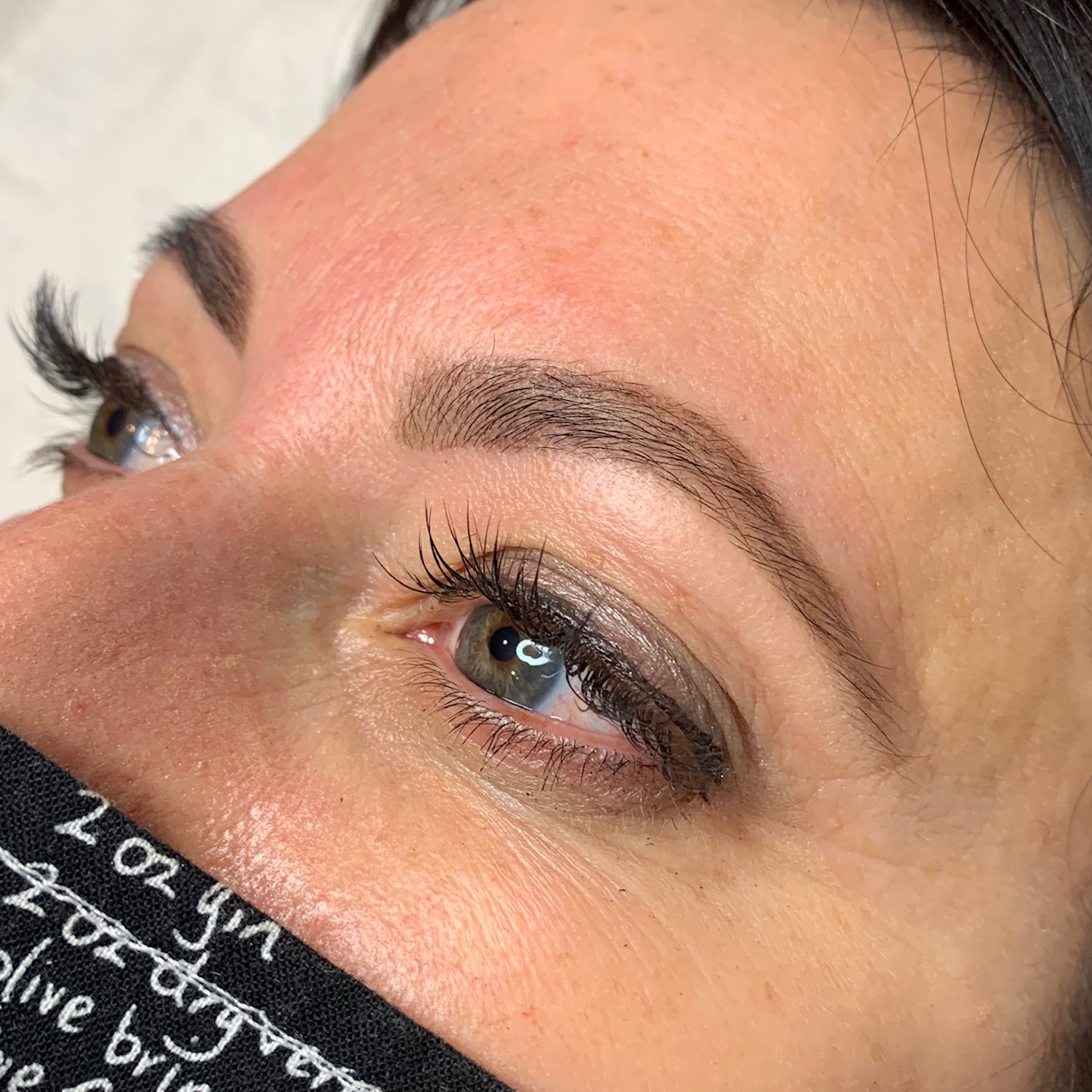 BROW SHAPING & TINT