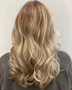 BALAYAGE & WOMEN'S CUT