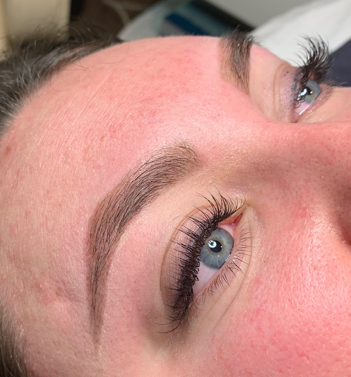 BROW SHAPING & HENNA TINT