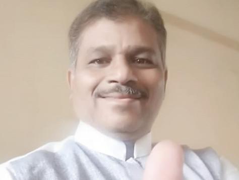 プロフィール Ehjaz Hassan