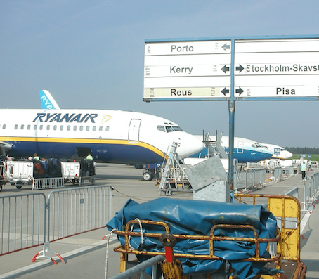 Ryanair, meno bagagli a bordo per ridurre i ritardi