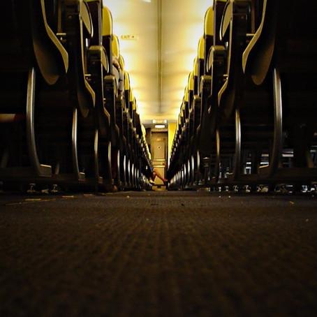 Ryanair, barlumi di civiltà in cabina