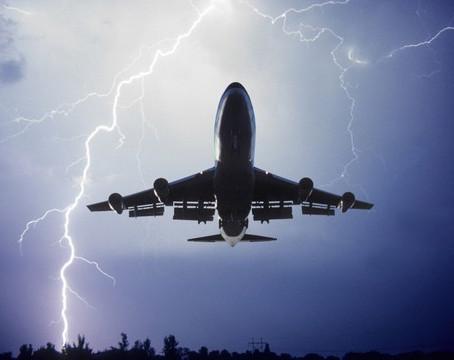 Fulmini sulla puntualità Lufthansa