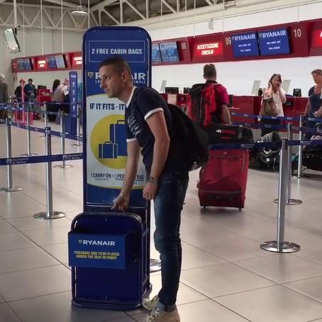 Ryanair cambia regole per i bagagli a mano