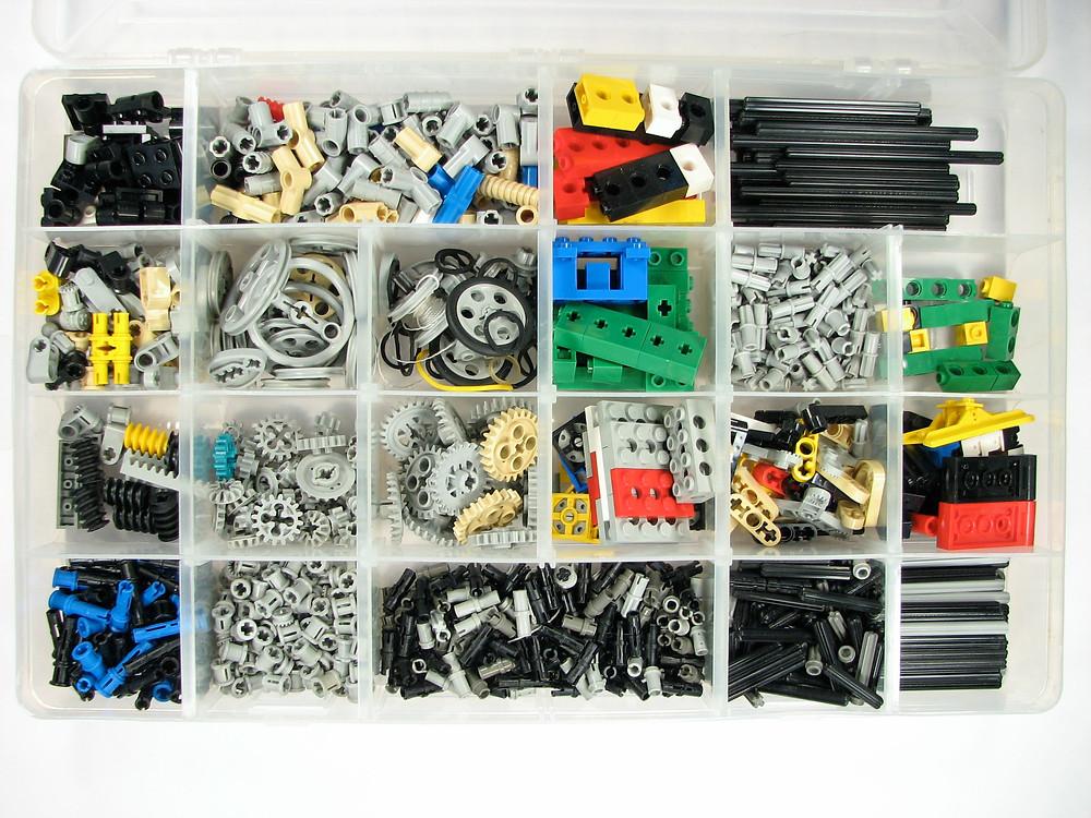 OLWH: A Checklist for Managing Toys - LEGO Technic Organizing Box (c) Windell Oskay, Flickr