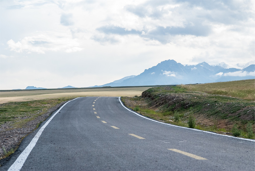 Summer Road Trip Family Car Kit: What's In Yours? - The long road ahead
