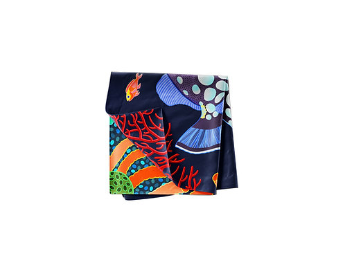 Spotted Triggerfish on Jet  Pocket Silk