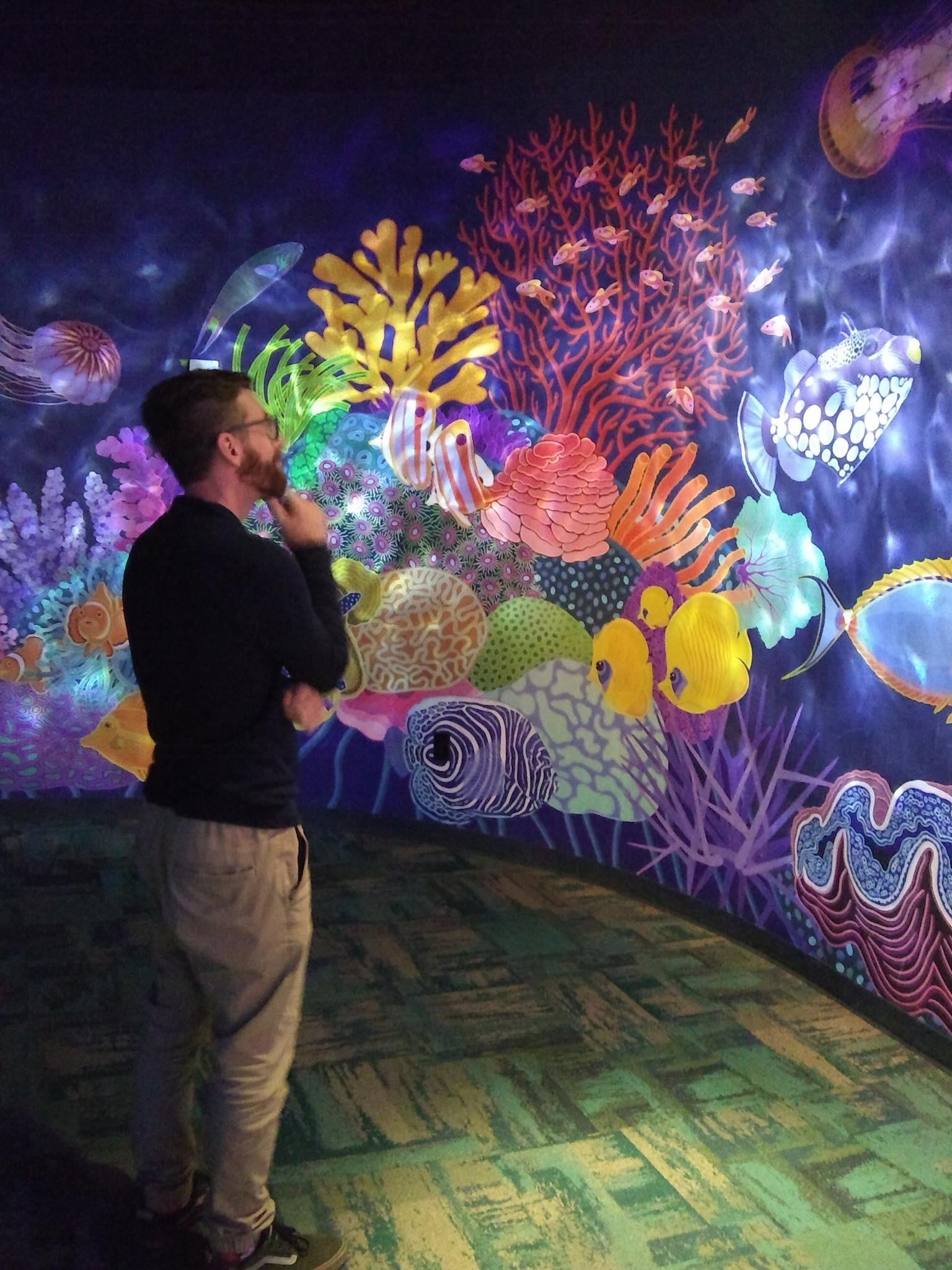 Live Shot of Georgia Aquarium Mural