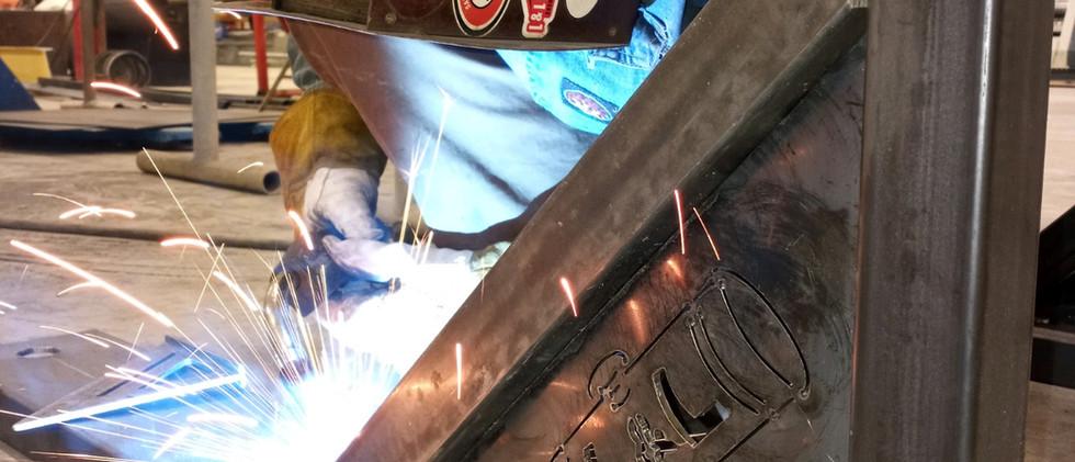 weld near me - LNL Fabrication worker Bu