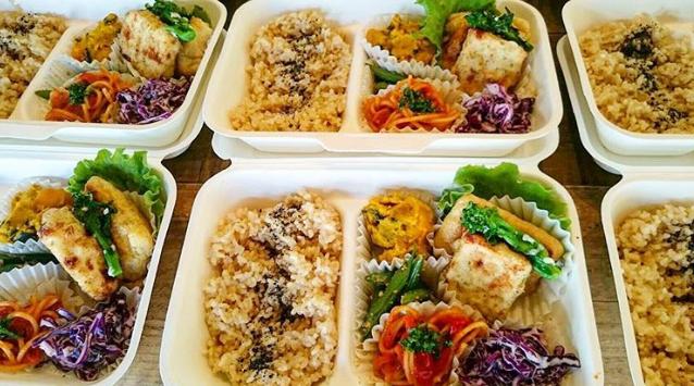 野菜と玄米のお弁当(メインは自家性塩麹豆腐)