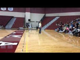 Sam Flamont speakes to students at Alma College.  Sam Flamont provides motivation and actionable steps to help you or your organization reach their desired results through an effecient process.