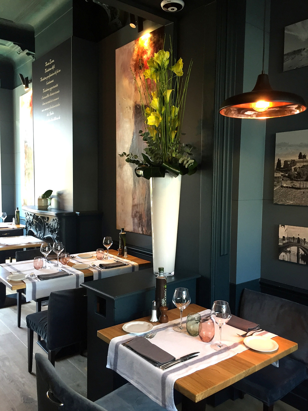 A table at Terza Luna - Ordinary Brussels