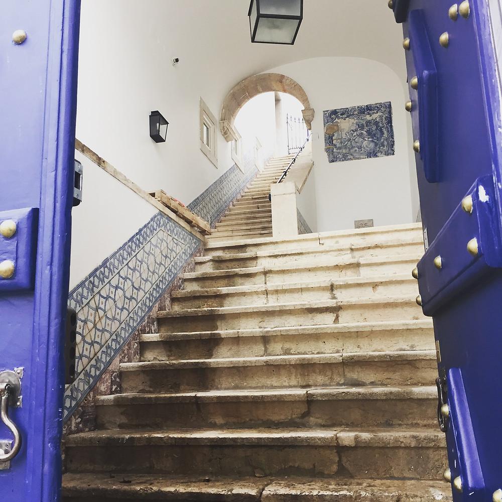 Behind closed doors - Ordinary Brussels
