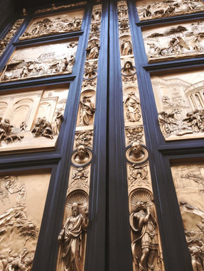 Bronze Gate on Piazza del Duomo - Ordinary Brussels - Lifestyle & Food in Brussels