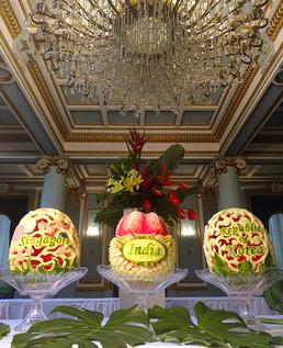Pièces uniques, sculptures sur melons d'