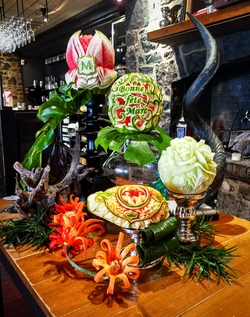 Pièce montée, sculptures sur fruits et l