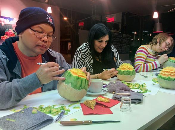 Cours sculpture culinaire Mia Bureau.jpg