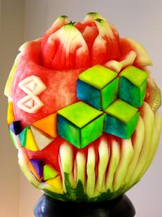Melon_d'eau_sculpté_par_Mia_Bureau_pour_