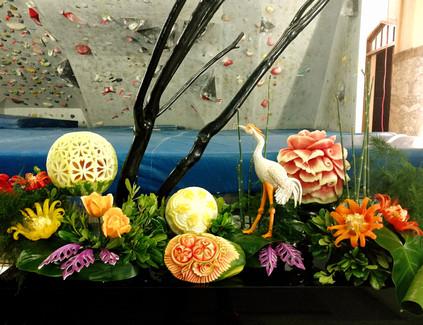 Grande pièce montée, sculptures sur frui