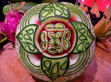 Melon_d'eau_sculpté_par_Mia_Bureau.JPG