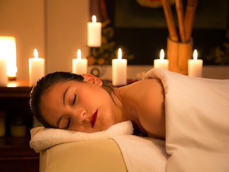 Plus de sensualité dans votre relation avec un massage à la bougie !