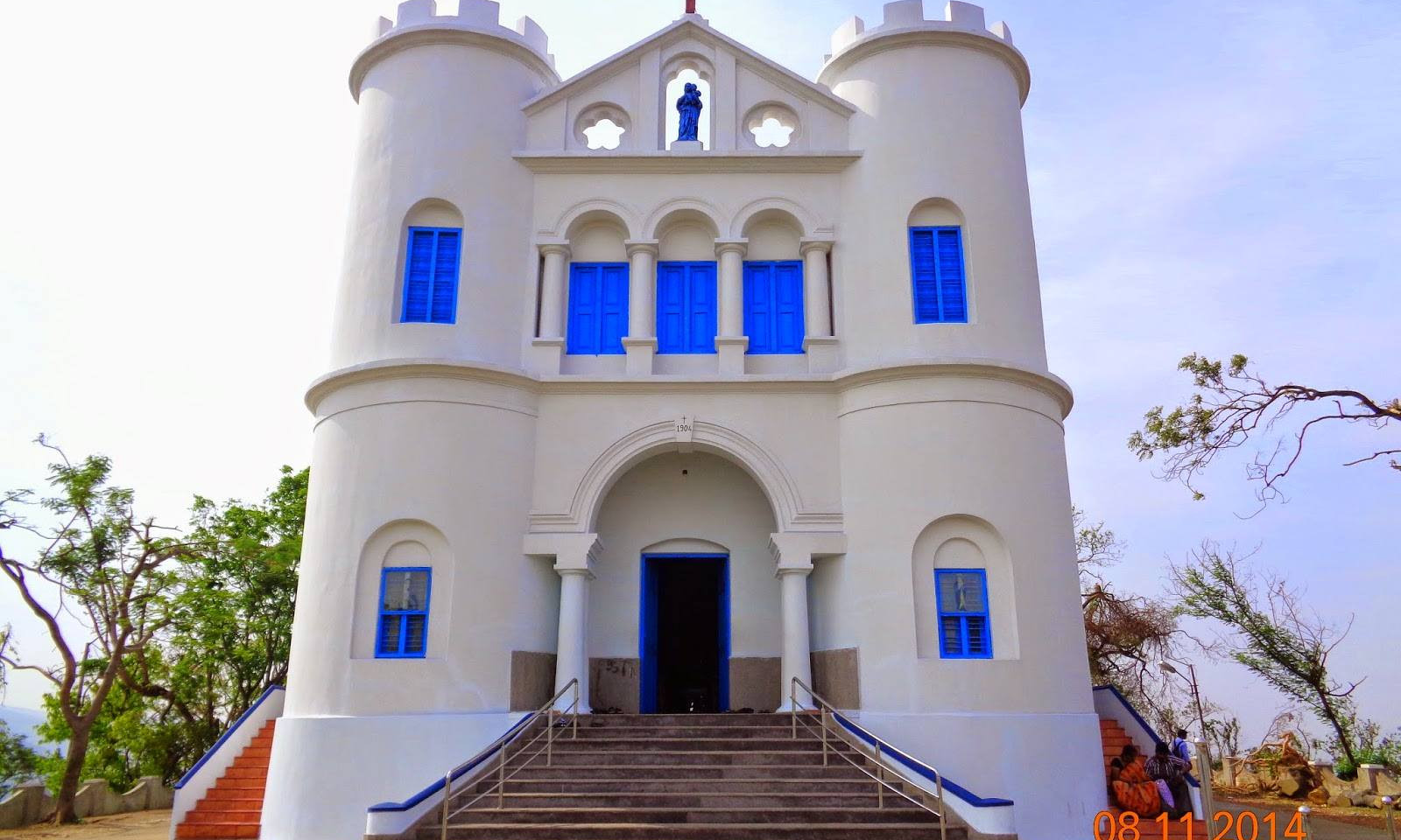 ROSS HILL CHURCH.jpg