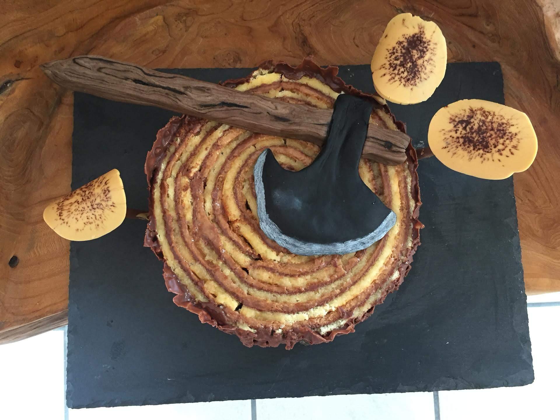 BaumstammTorte, mit Haselnussmousse