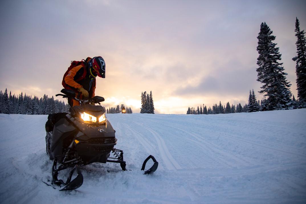 210107_tmg_snowmobile_016.jpg