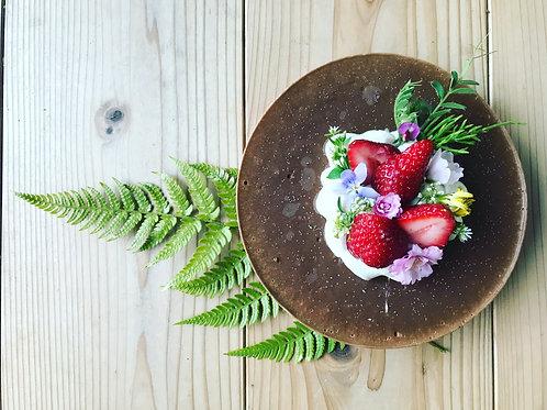 春をまとういちごのローケーキ