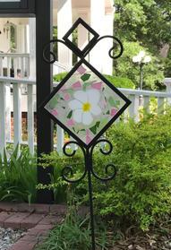 Mar. 6 10:00 a.m.-12:00 p.m. Glass Garden Stake $70