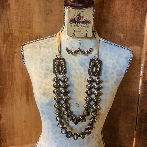 Cowgirl Pearls Set ~ Cheyenne   SOLD