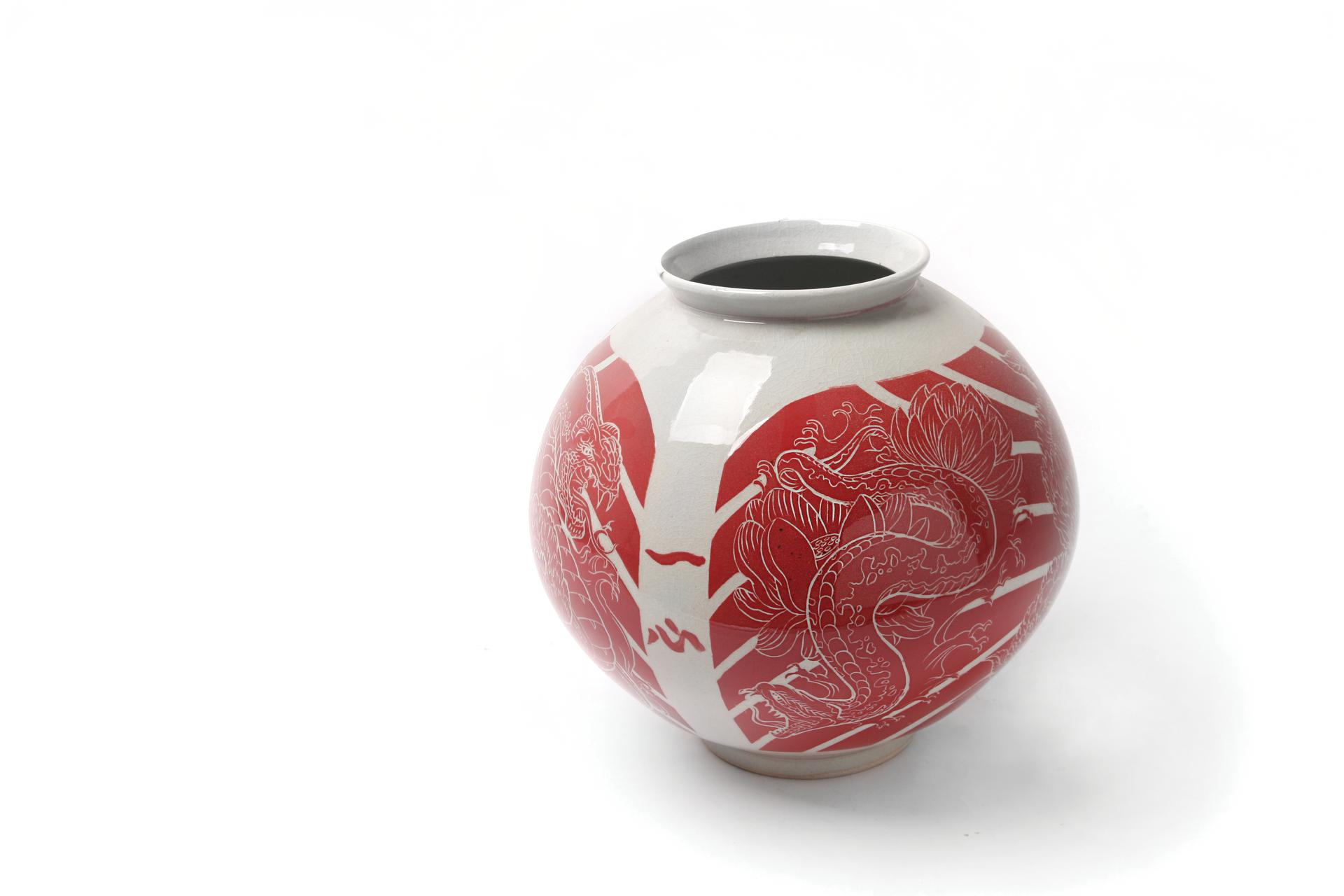 백자적박지부세회항아리(白瓷赤剝地浮世繪立壺)