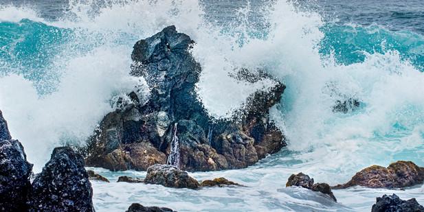 Mauie-waves.jpg