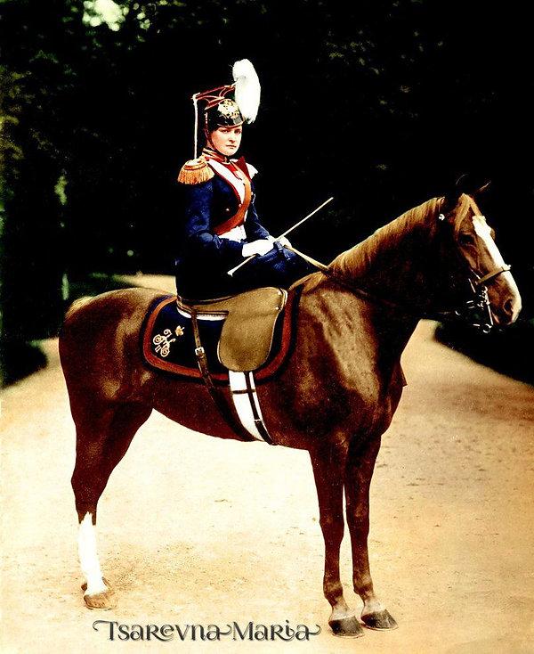 Tsarina Alexandra, 1903, Peterhof, RU.jp