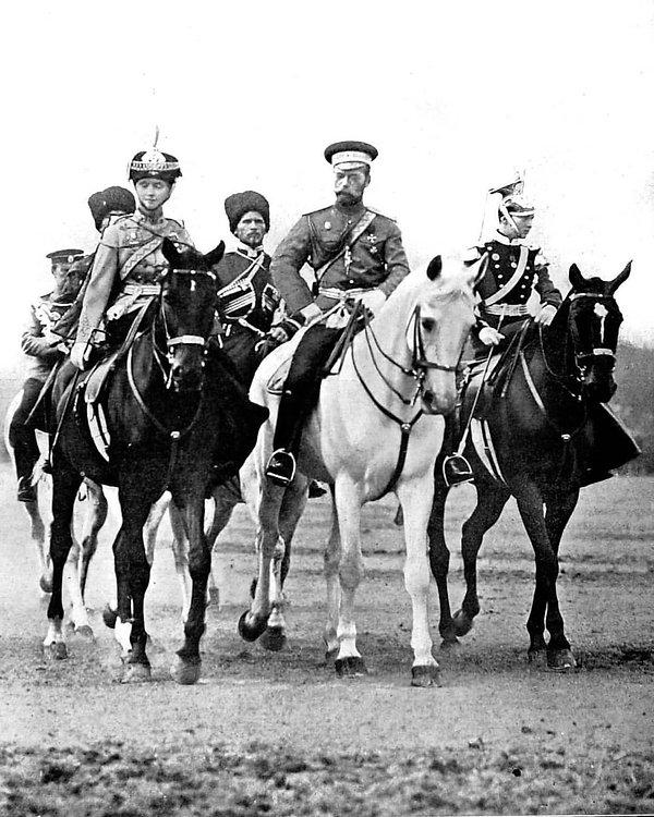 Tsar Nicholas with Olga and Tatiana, Aug