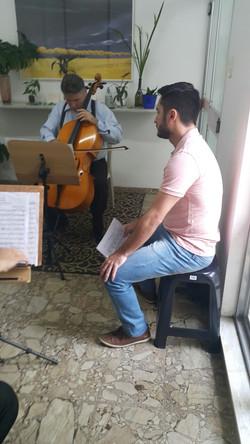 Orientador Edgar e grupo Bach