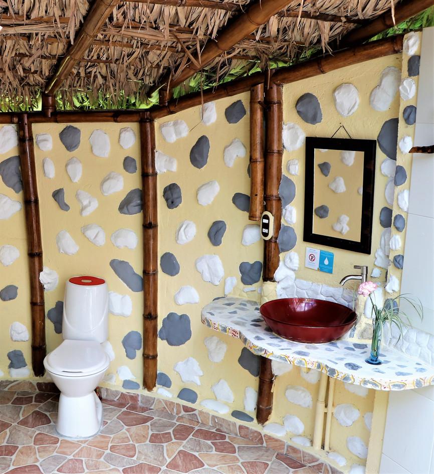 Bathroom-TIPI