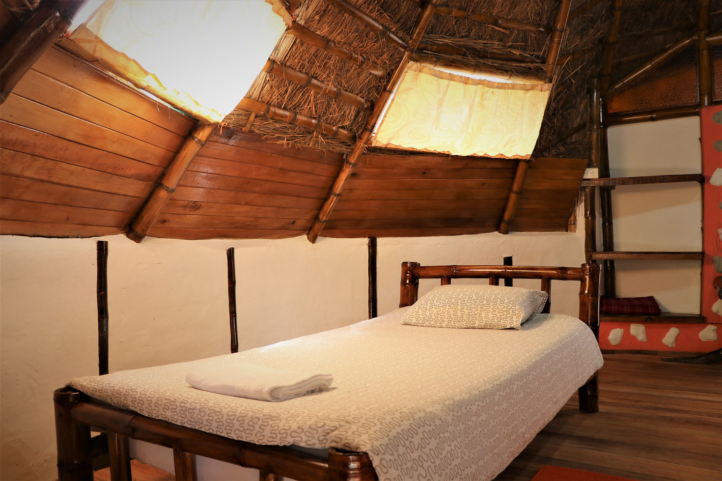 Single-Bed-TIPI