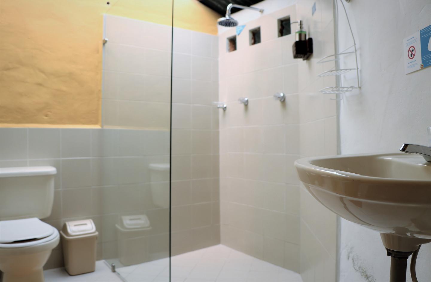 Bathroom Chalet 1
