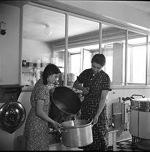 Kitchen workers. AB03993-031.jpg