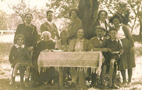 14. freudentalfamily, table.jpg