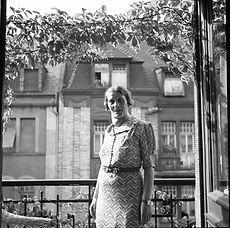 Frieda B Balcony AB03996-051.jpg